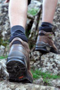Wandern in den Bergen mit Outdoorschuhen