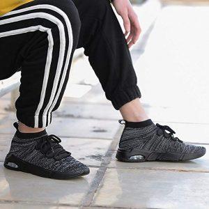 Socken Schuhe auf der Strasse