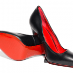 Schuhe mit roter Sohle