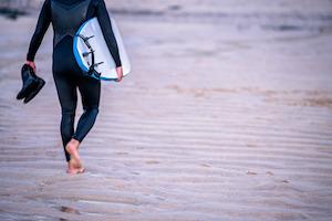 Surfschuhe sind vor allem in Wintermonaten beliebt