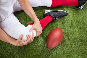 Es gibt verschiedene Schuhe für den amerikanischen Football